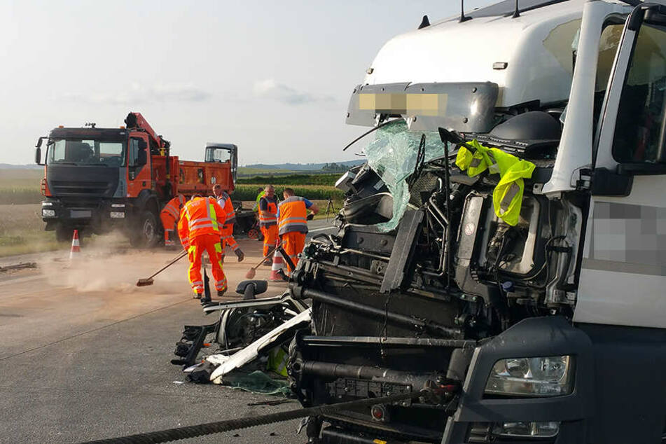Bei dem Unfall entstand ein Sachschaden von rund 230.000 Euro.