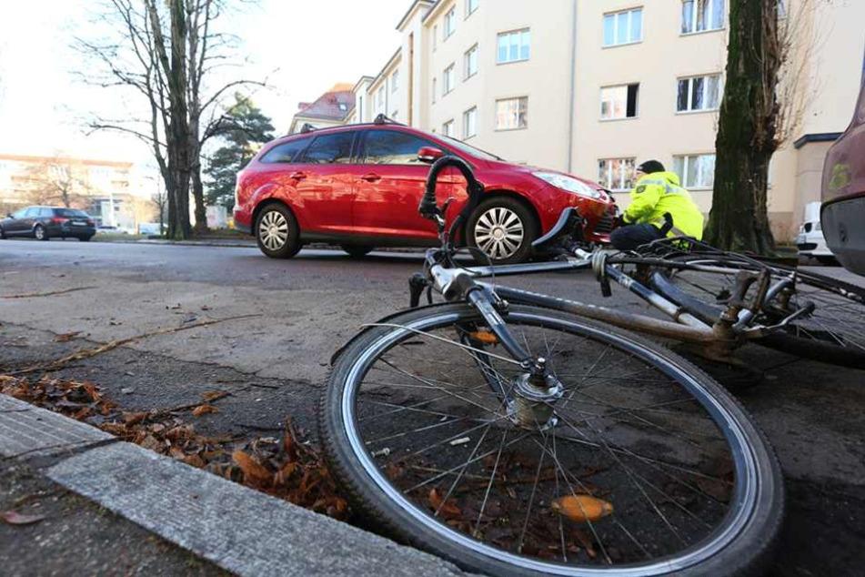 Fahrradfahrer in Blasewitz von Ford angefahren