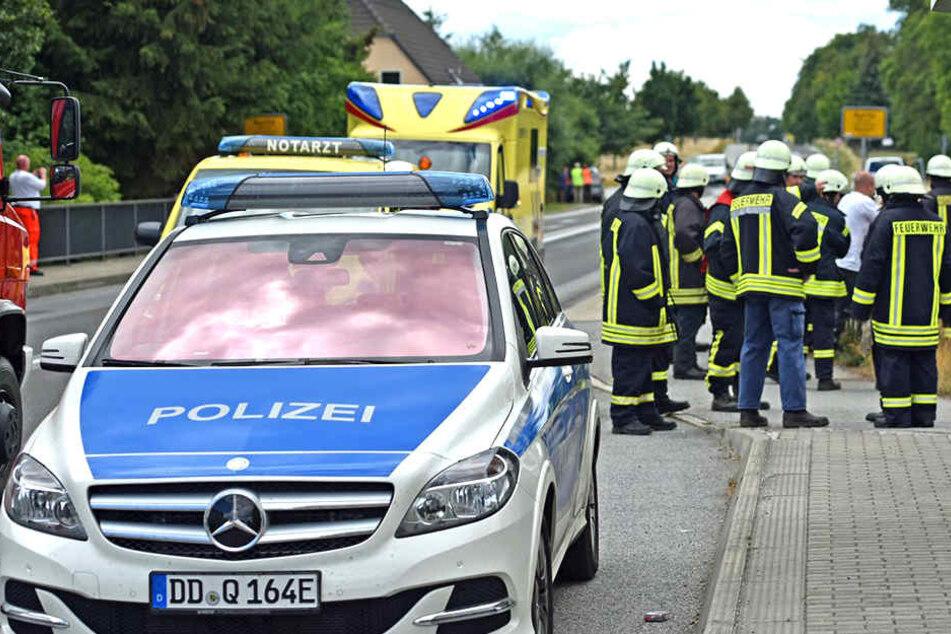 Polizei, Notarzt und Feuerwehr waren nach einem Crash vor Ort.