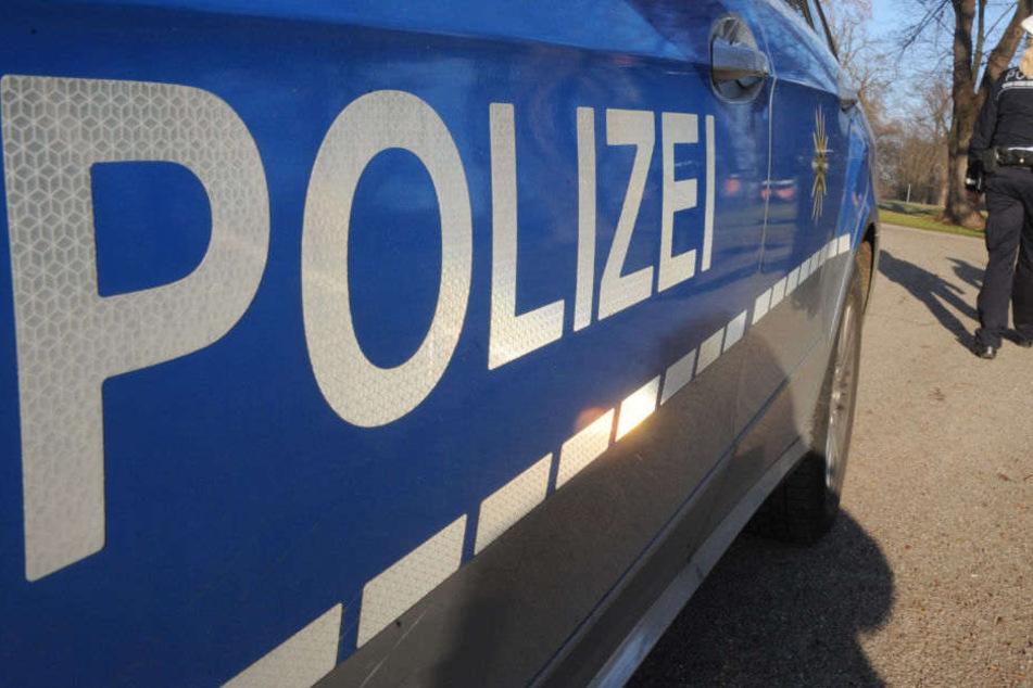 Die Ermittlungen der Polizei nach dem Überfall laufen. (Symbolbild)