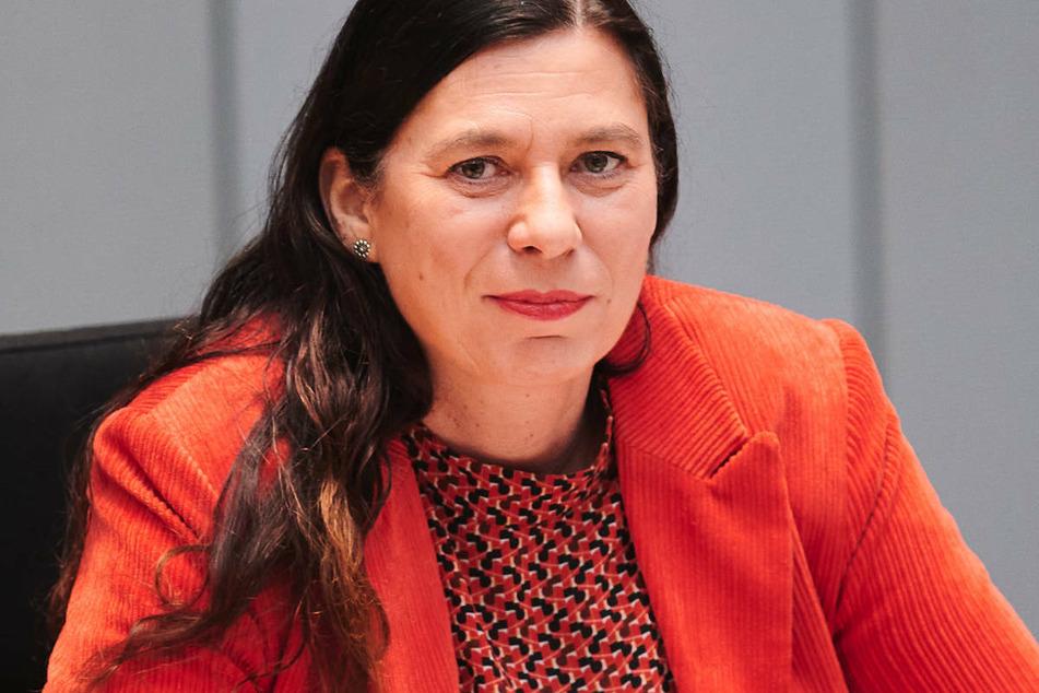 """Berlins Bildungssenatorin Sandra Scheeres (51, SPD) hält mögliche Schulschließungen ab einer Inzidenz von 165 Corona-Neuinfektionen pro 100.000 Einwohner binnen einer Woche für """"willkürlich""""."""