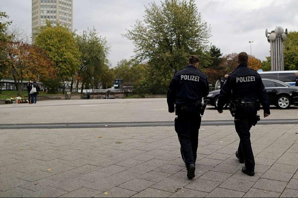 Die Polizei sucht Zeugen des Überfalls (Archivbild).