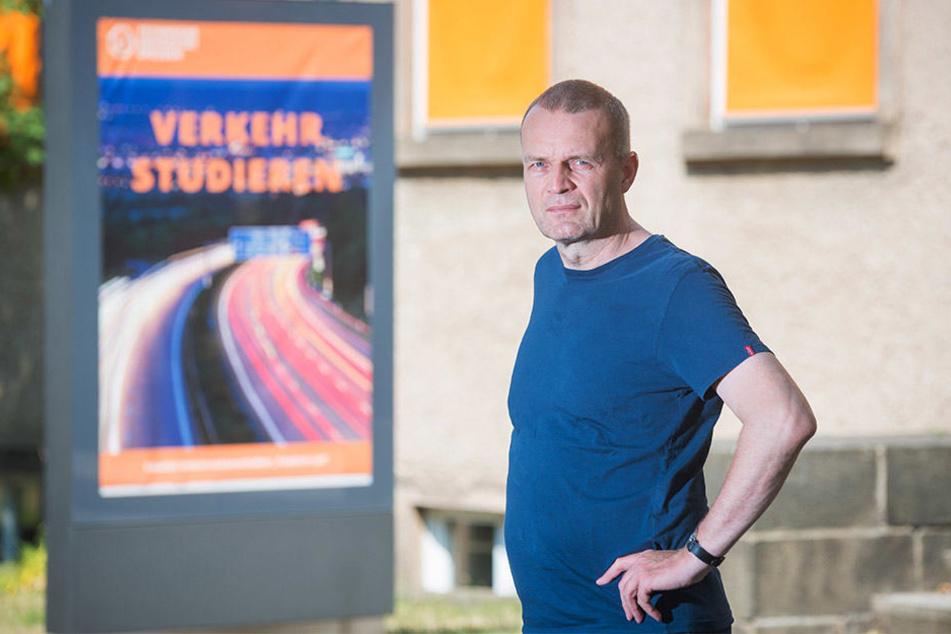 Der Dresdner Verkehrswissenschaftler Prof. Dr. Christian Lippold (53) analysiert schon länger das Staugeschehen rund um Dresden.