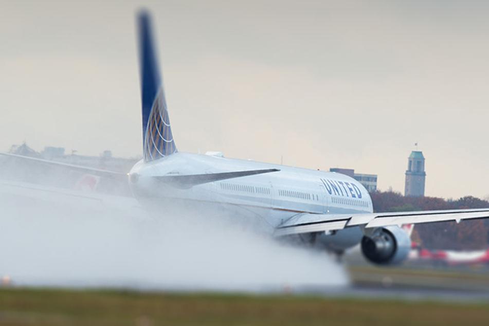 Alle Passagiere konnten sicher und unverletzt das Flugzeug verlassen. (Symbolbild)