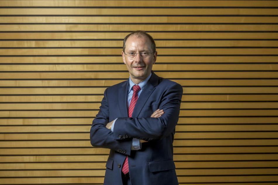 Sachsens Innenminister Markus Ulbig (CDU, 52) plädiert für mehr Videoüberwachung.