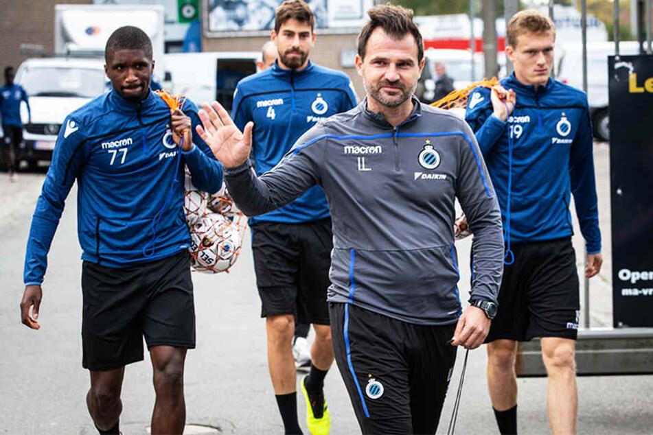 FC-Brügge-Trainer Ivan Leko (Vorne) wurde ebenfalls kurzzeitig festgenommen.