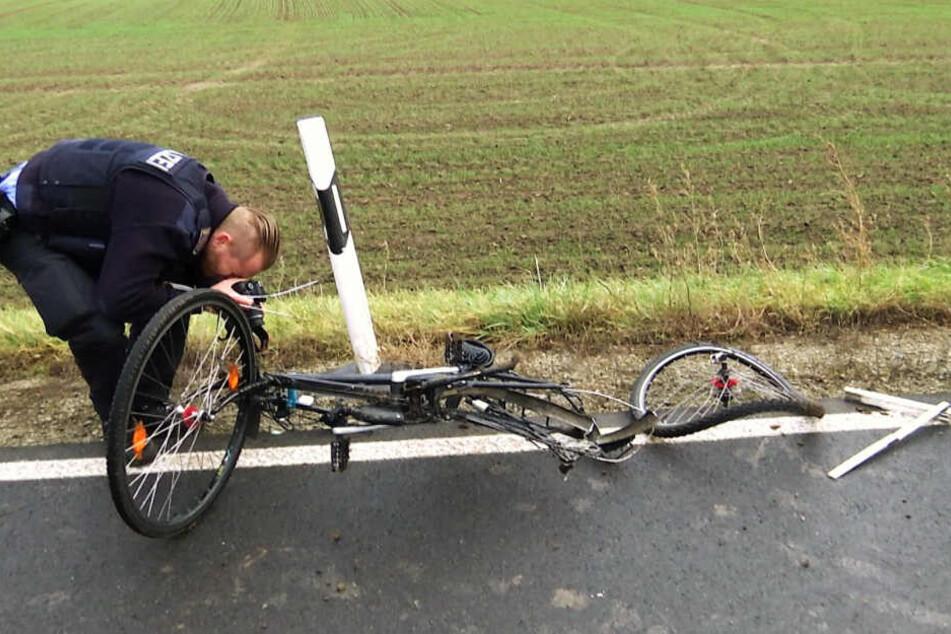 Radfahrer wird in Thüringen von Auto erfasst und stirbt