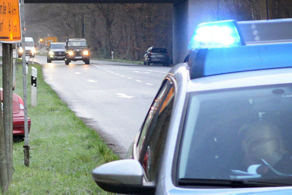 Laut der Polizei entstand ein Sachschaden in Höhe von 8000 Euro. (Symbolbild)