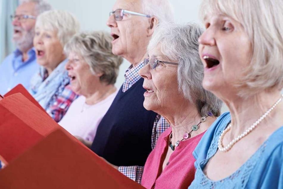 Das gemeinsame Singen sollte die unterschiedlichen Kulturen zusammen bringen (Symbolbild).
