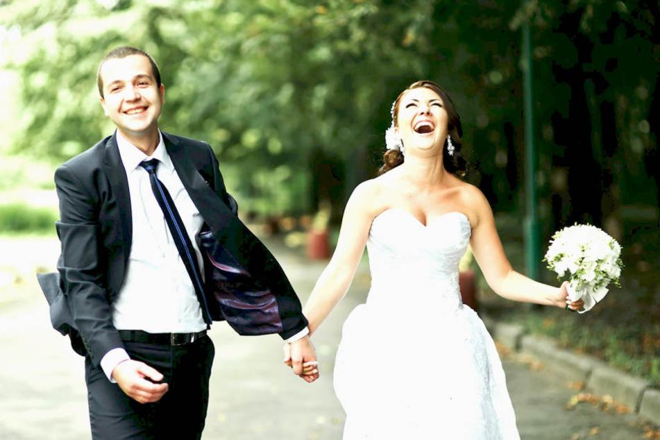 Schon das 100. Paar hat dank der Partnervermittlung Ja gesagt.