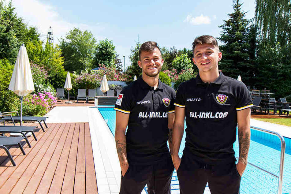 Vorm Hotel-Pool: Baris Atik (r.) freut sich schon auf das Wintertrainingslager in seiner Heimat Türkei. So wie hier mit Mannschaftskollege Sascha Horvath.