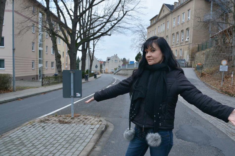 Ines Saborowski (52, CDU) fordert einen Zebrastreifen an der Grundschule Klaffenbach.