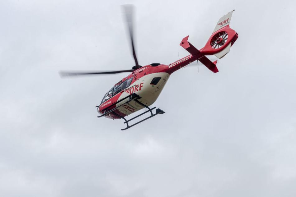 Ein Rettungshubschrauber musste landen. (Symbolbild)