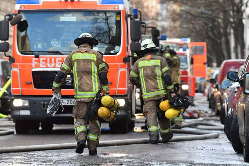 Die Kameraden der Berliner Feuerwehr mussten so viele Überstunden machen, wie noch nie.