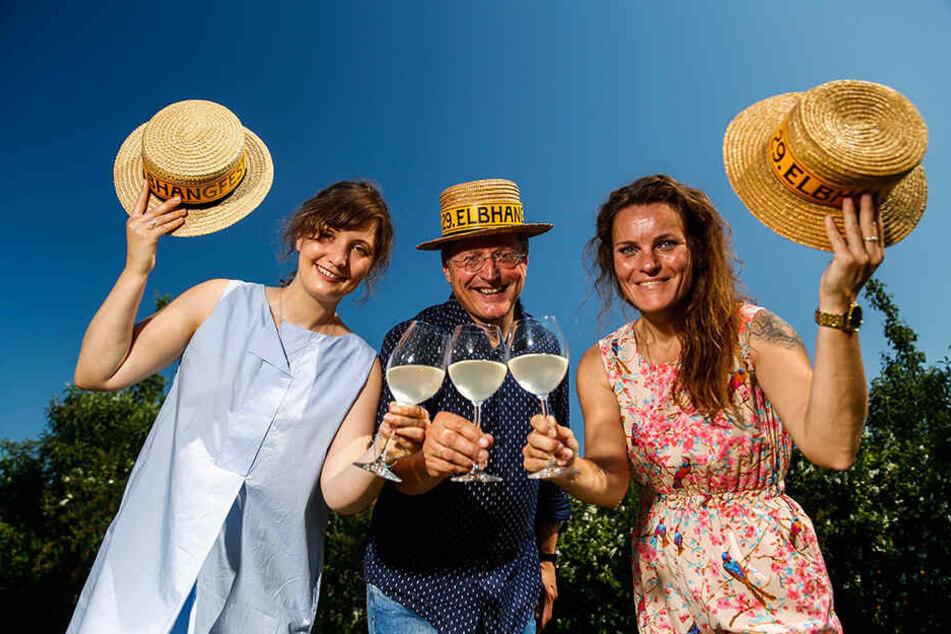Laden ganz herzlich zum Elbhangfest: Lydia Göbel (28, v.l.), Holger Friebel (56) und Jenni Lindner (41) vom Festverein.