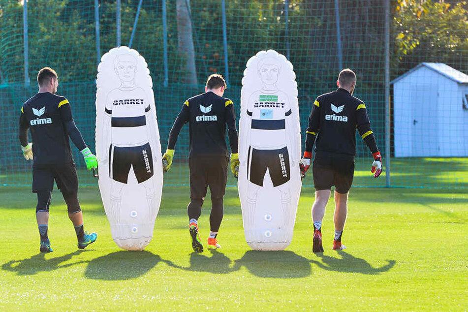 Patrick Wiegers, Markus Schubert und Marvin Schwäbe im Training