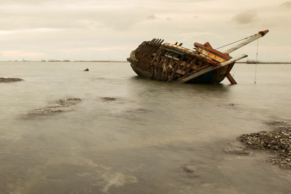 Im Boot lagen vier zum Teil skelettierte Leichen. (Symbolbild)