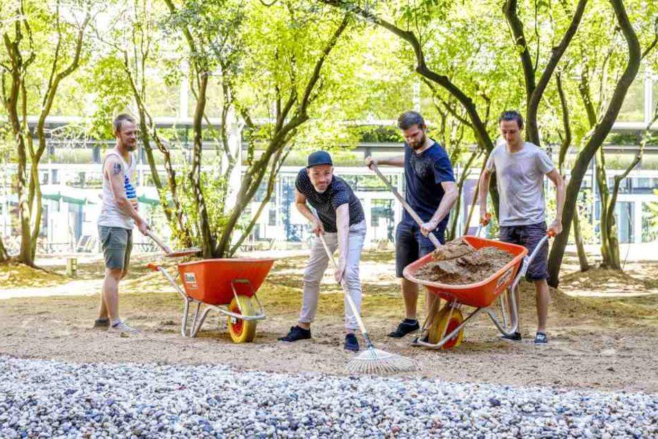 Schipp, schipp, hurra! 2,5 Tonnen Sand für die Comödie