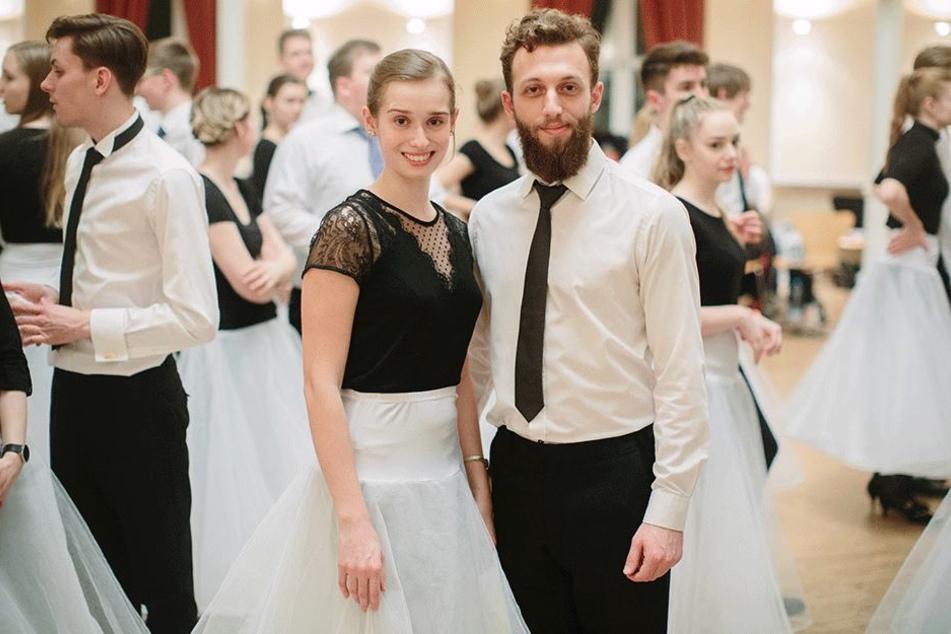 Ahmad Abdlli und seinen Tanzpartnerin Theresa Funk eröffnen Freitag mit 99 weiteren Debütantenpaaren den 13. SemperOpernball.