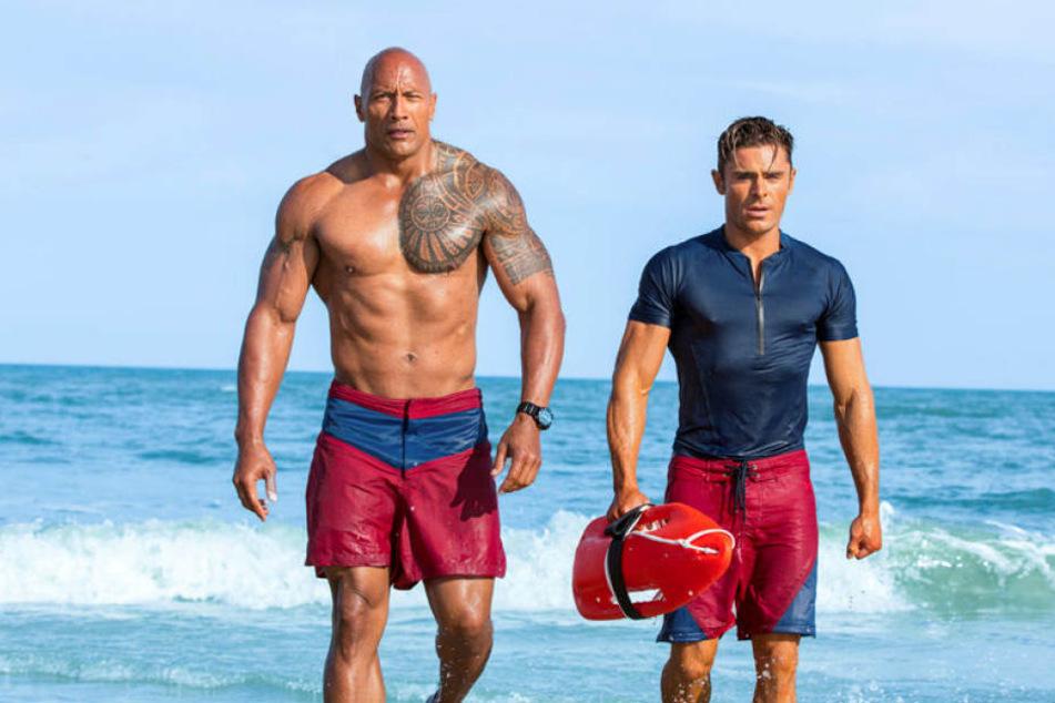 Im neuen Baywatch-Streifen spielen Dwayne Johnson (45) und Zac Efron (29) die Hauptrollen.