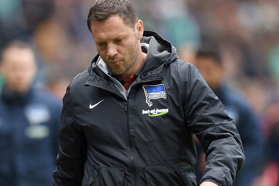 Nach dem ernüchternden Auftreten der Hertha in Bremen muss Trainer Dardai einen neuen Schlachtplan ausarbeiten.