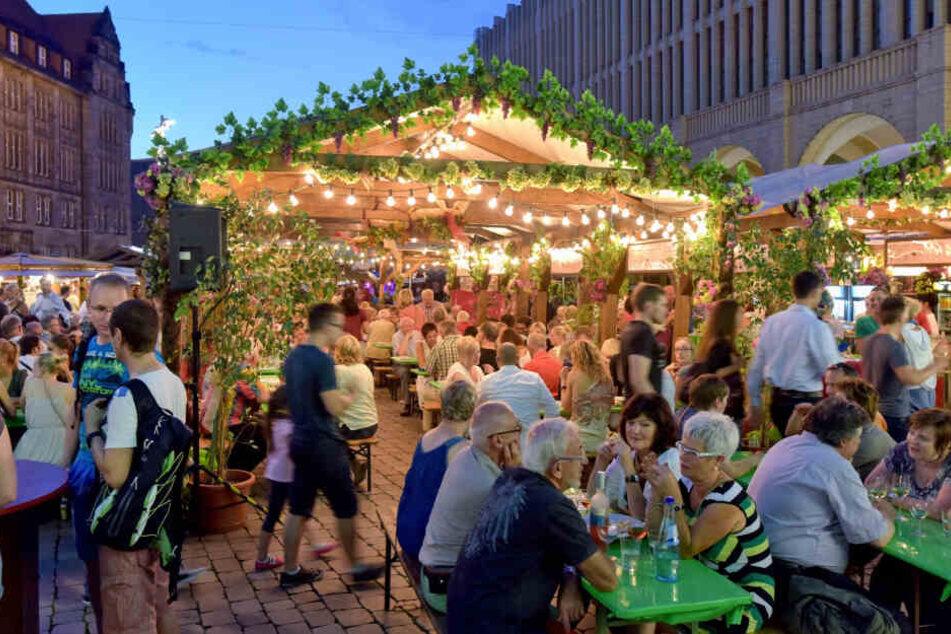 Zum Weindorf wird der Chemnitzer Neumarkt vom 26. Juli bis 18. August.