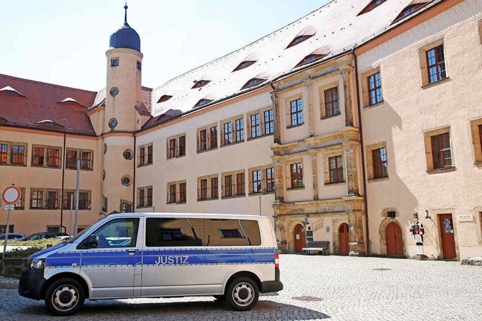 Karin L. (19) gestand ihr Lüge im Amtsgericht Dippoldiswalde ein und wurde verurteilt.