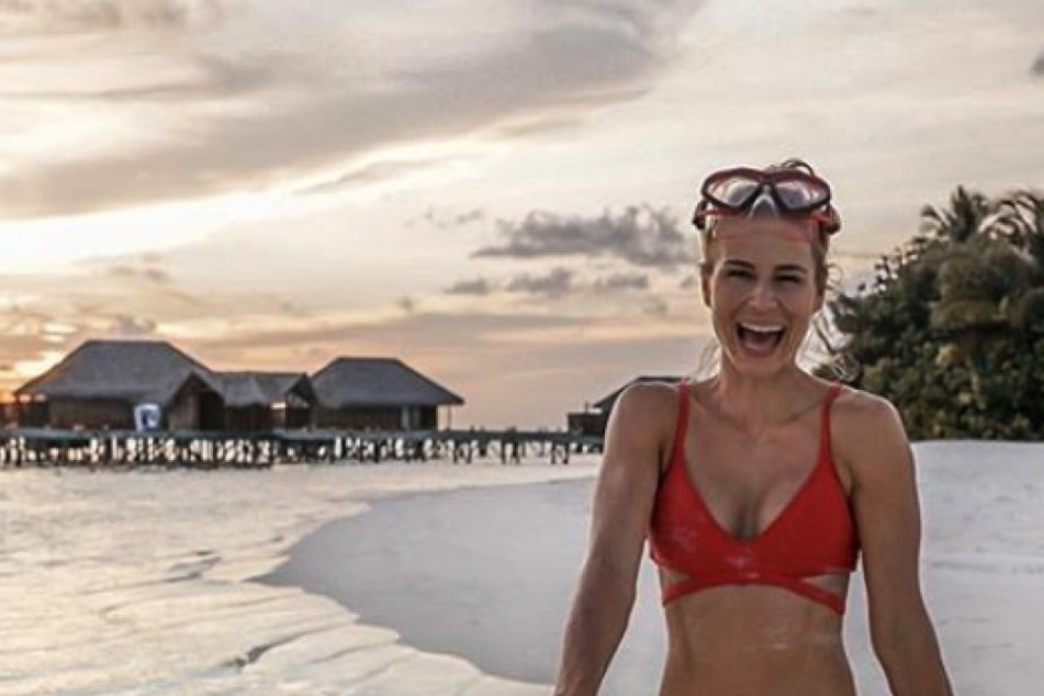 Adrienne am Strand. Gern zeigt sie bei Instagram ihren schönen Körper.