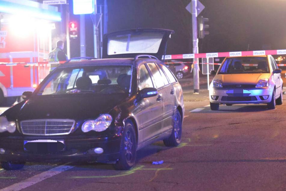 Bei Rot über Ampel? Fußgänger von Autofahrer totgefahren
