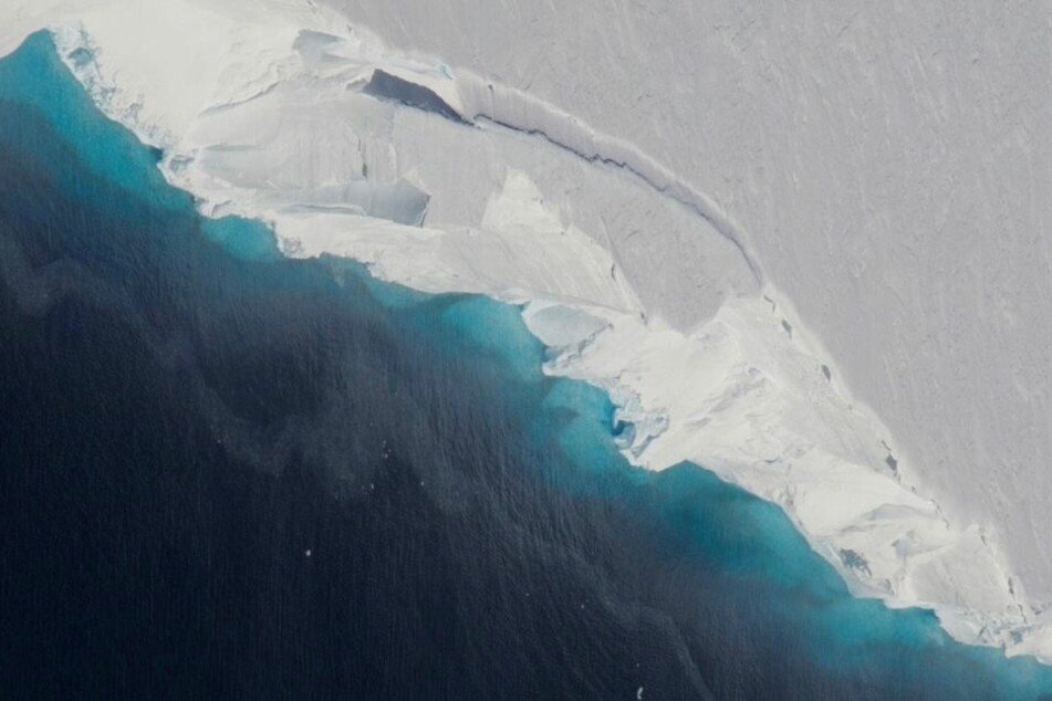 """""""Verstörende Entdeckung"""": Forscher finden riesigen Hohlraum unter Antarktis-Gletscher"""