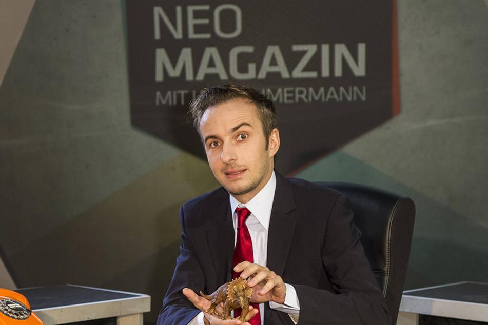 Der Comedian hier im Neo Magazin Royale - seiner eigenen Show.