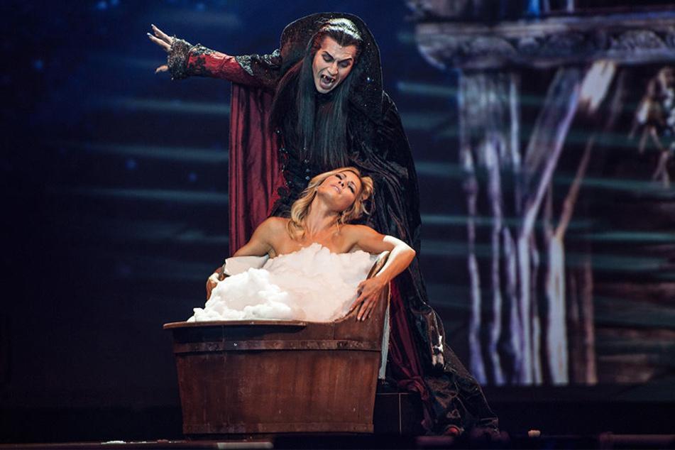 Hüllenlos auf der Bühne? Dieser Auftritt von Helene Fischer bei ihrer Weihnachtsshow dürfte bei so manchem Zuschauer die Fantasie anregen.