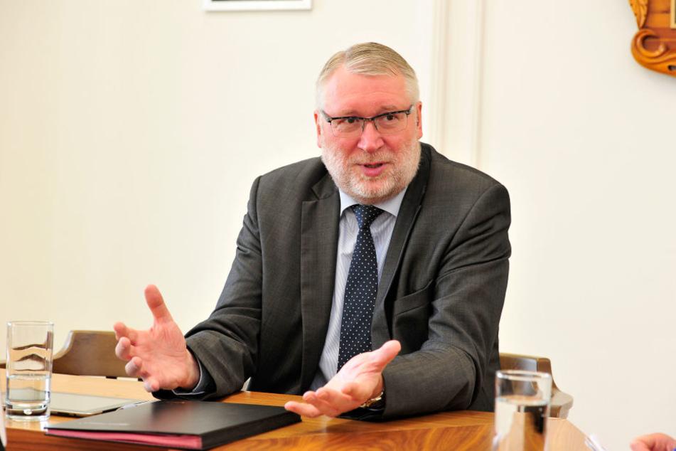 Mittelsachsens Landrat Matthias Damm (62, CDU) will den Klinikstandort Mittweida stärken.