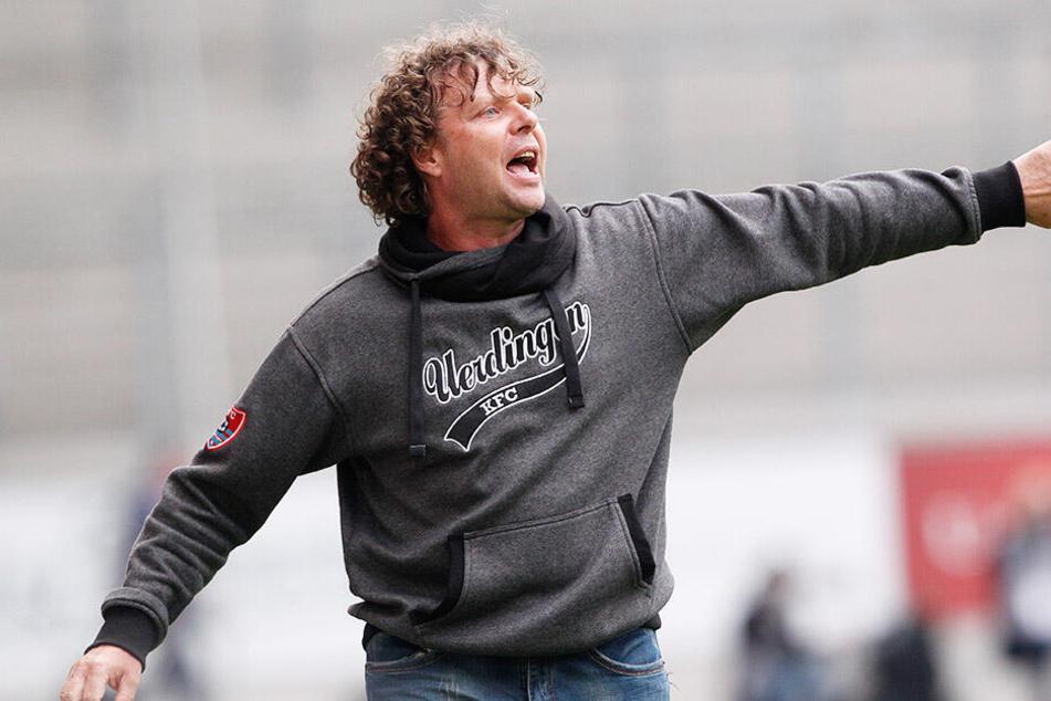 Stefan Krämer (51), an der Seitenlinie immer engagiert, ist nicht länger Trainer des KFC Uerdingen.