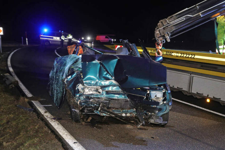 Auf der B171 kam es am späten Donnerstagabend zu einem tödlichen Unfall.