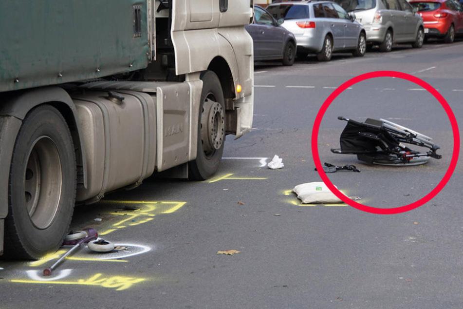 Rollstuhlfahrer wird beim Überqueren einer Straße von Lkw erfasst