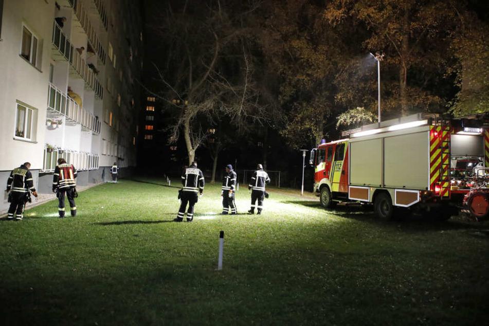 Am Mittwochabend suchten Polizei und Feuerwehr nach ausgelegten Giftködern.