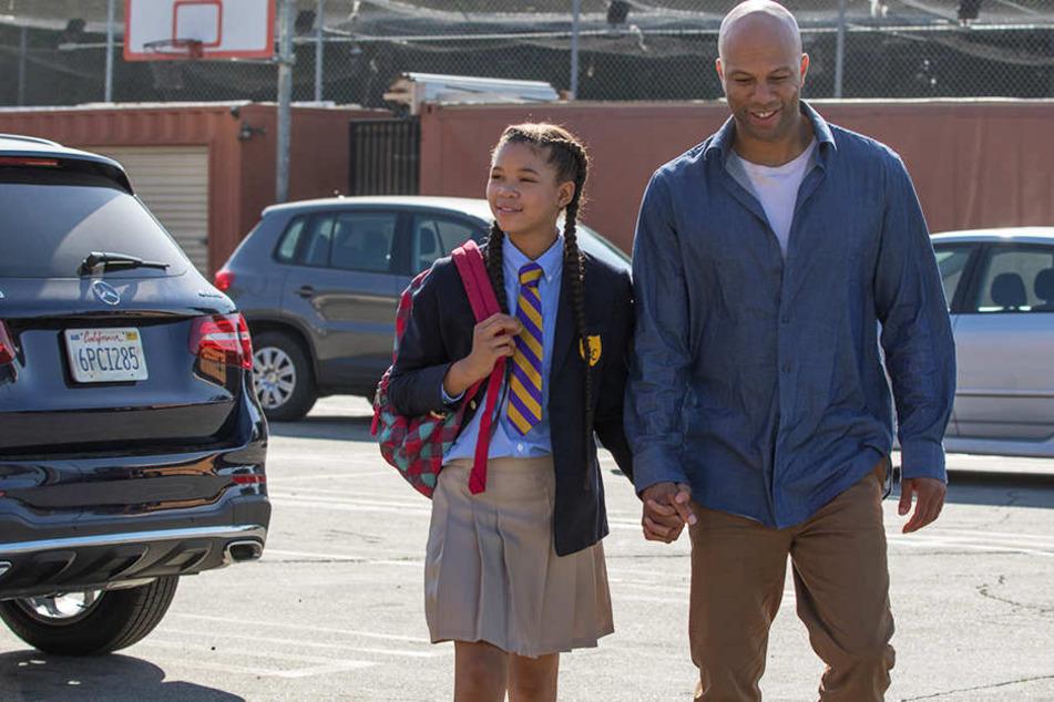 Daniel Crawford (Common, r.) und seine Tochter Patricia (Storm Reid, l.) zählen noch zu den sympathischeren Figuren des Films.