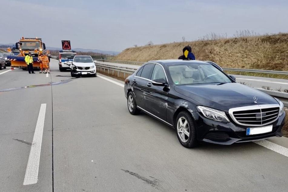 Unfall A17: Unfall auf A17: Autobahn Richtung Prag dicht