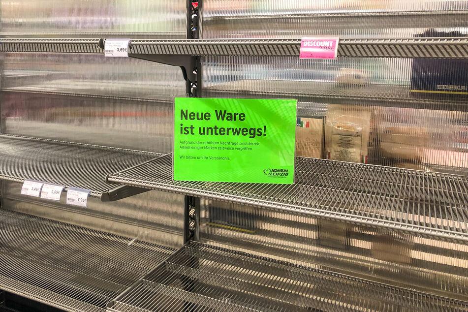 Die Zeit der Hamsterkäufe ist erst einmal vorbei. Marktforscher beobachten eine wachsende Routine der Verbraucher im Umgang mit der Krise.
