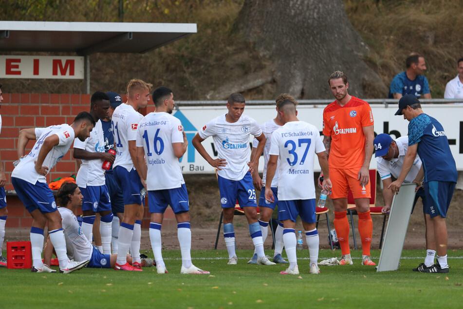 Gegen den VfL Osnabrück gewannen die Schalker noch 5:1. Gegen Verl und Uerdingen sah das dann ganz anders aus.