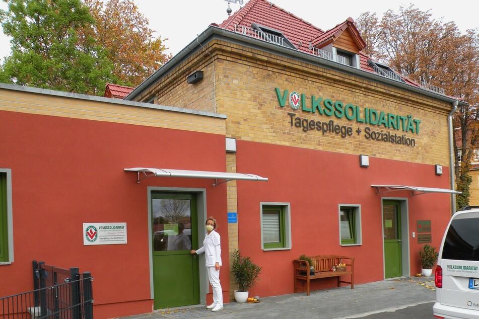 Schwester Sylke Prüfer (51) leitet in Engelsdorf die Sozialstation der Volkssolidarität Leipziger Land/Muldental mit angegliederter Tagespflege.