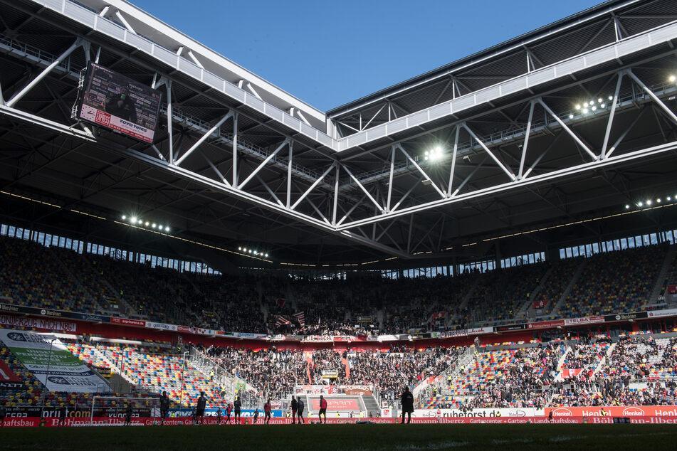 Im Düsseldorfer Fußballstadion wird in wenigen Tage das NRW-Kabinett mit Gesundheitsminister Jens Spahn tagen.