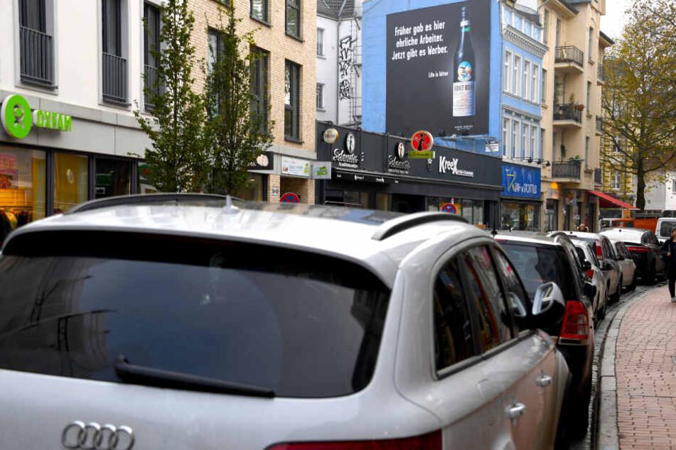 Bisher sind die kleinen, gewundenen Seitenstraßen in Ottensen oft zugeparkt. Überhaupt ist die Parkplatzsuche hier oft ein Albtraum.