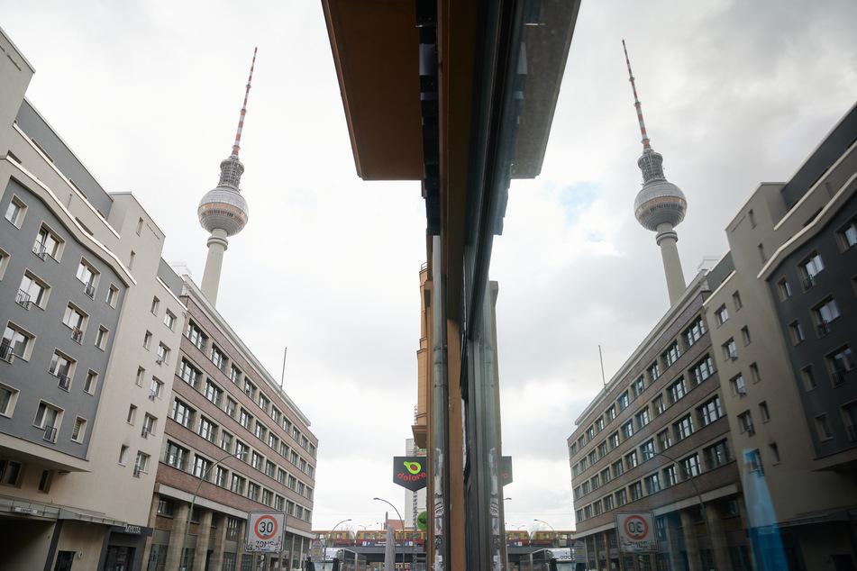 Wegen der Corona-Pandemie und dem gekippten Mietendeckel will Deutsche Wohnen die Mieten 2021 nicht weiter erhöhen.