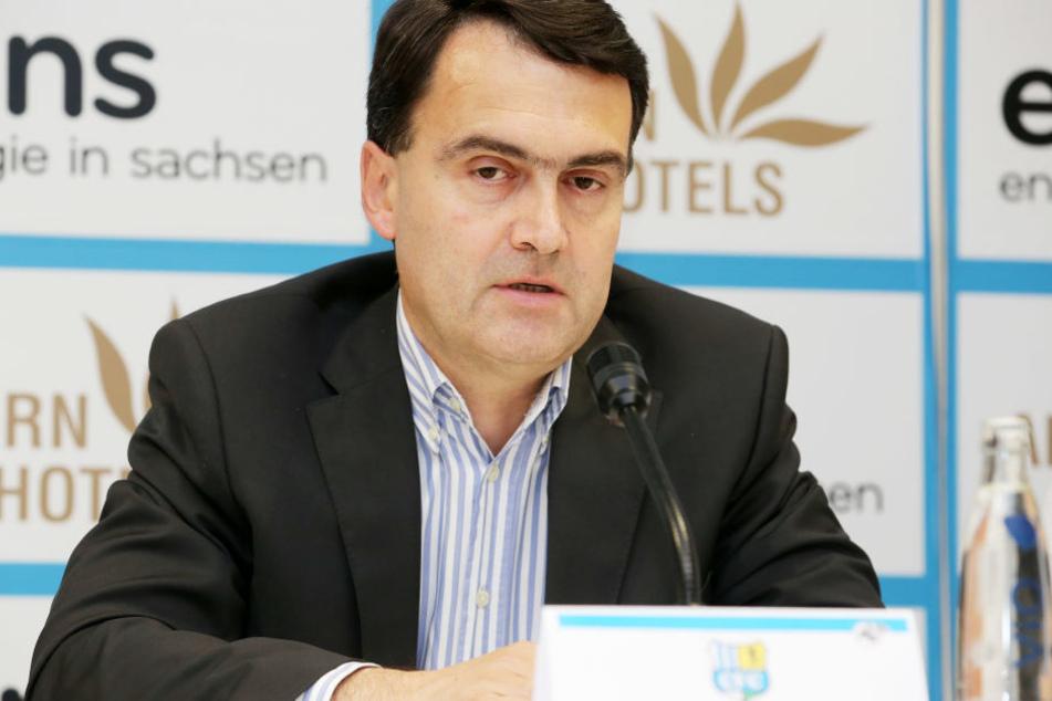 Mathias Hänel lehnt einen Rücktritt als CFC-Präsident ab.
