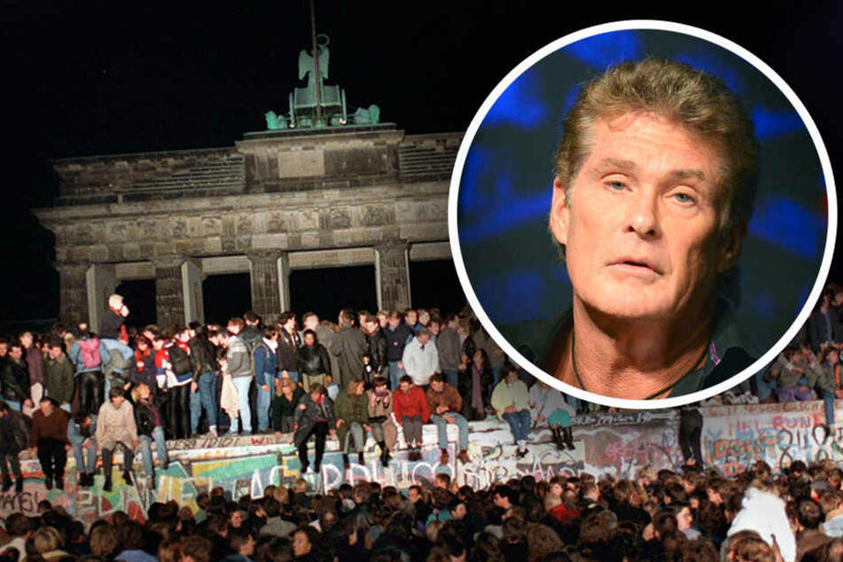 """Jubelnde Menschen stehen auf der Berliner Mauer am Brandenburger Tor. """"The Hoff"""" war nur zum richtigen Zeitpunkt, am richtigen Ort."""