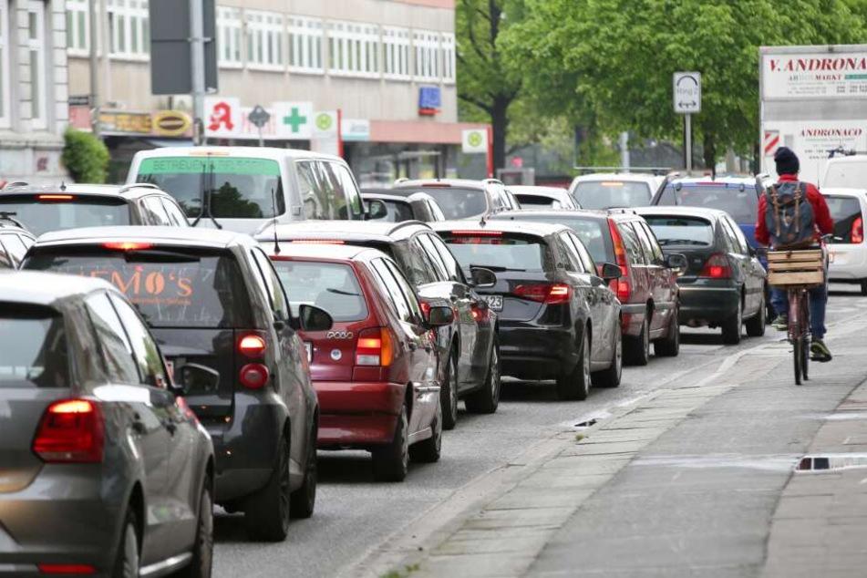 Verkehrs-Chaos garantiert: Große Kreuzung in Hamburg wird dicht gemacht!