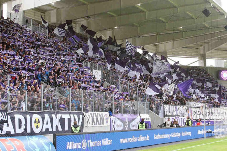 Vor 16 Monaten heimste der FCE die letzte Niederlage ein - gegen Sandhausen. Die Fans freuten sich auf eine Revanche.