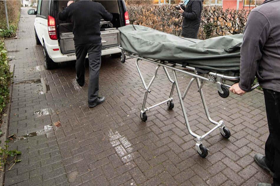 Der 41-Jährige wurde getroffen und tödlich verletzt. Die Leiche soll obduziert werden.